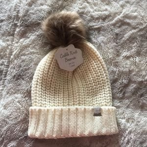 NEW CABLE KNIT BEANIE